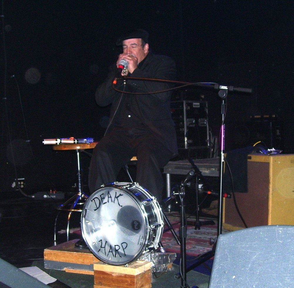 Deak Harp playe The V Club 2009